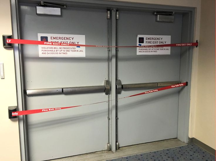 Keith Lunsford of Powers Products sent me the photo below from another large airport. Several people have sent me photos of the doors at this same airport ... & 247 best Door Frame u0026 Hardware Education images on Pinterest ... pezcame.com
