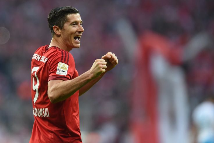 Lewandowski marca duas vezes, e Bayern de Munique atropela o Schalke #globoesporte