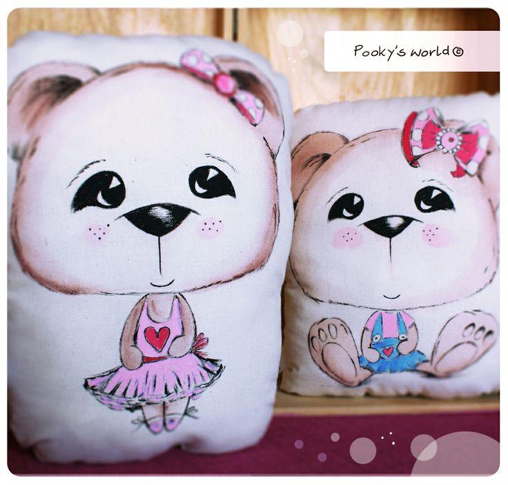 handpaited pillow #pooky #handpainted #bear #hanmade