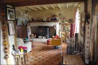 Salon d'un des Gîtes et Chambres d'Hôtes à vendre près Périgueux et Bergerac en Dordogne