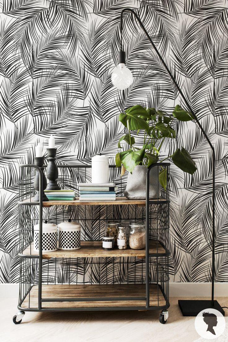 Des papier peints tropicaux en attendant l'été - Aventure Deco Papier peint Jungle- Esty - esprit recup avec ce chariot en fer en guise d'étagere