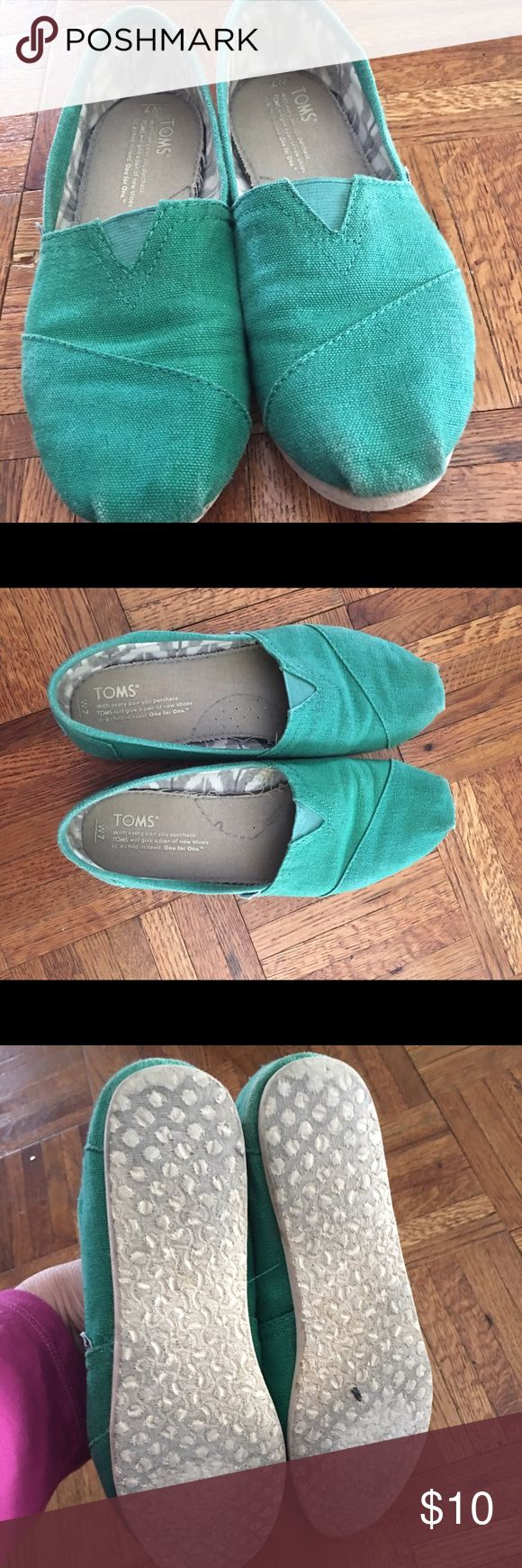 Women's green Toms Used but good condition TOMS Shoes
