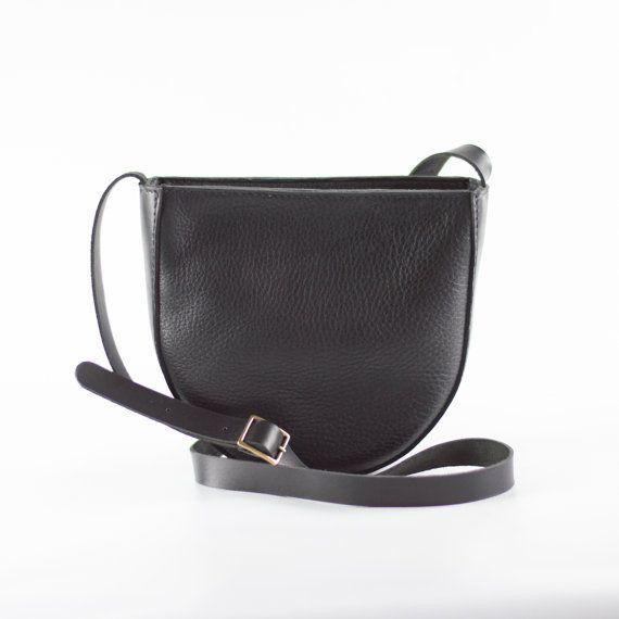 Sac à bandoulière en cuir souple Slouchy Crossbody Bag par CrowSLC