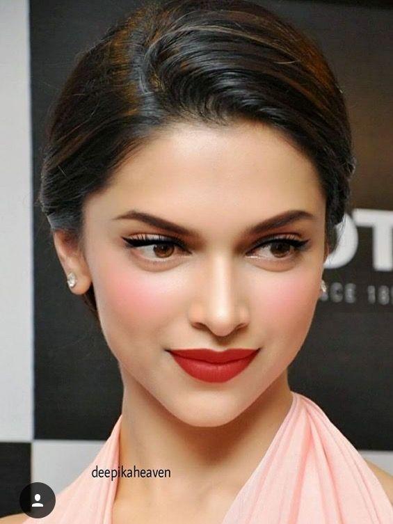 Pretty Deepika Padukone