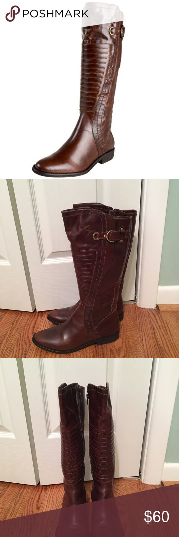 Carlos Santana boots size 9 Carlos Santana Momemtum leather boots size 9 in excellent fused condition. No scuffs or scrapes. 1 inch heel. Carlos Santana Shoes Winter & Rain Boots