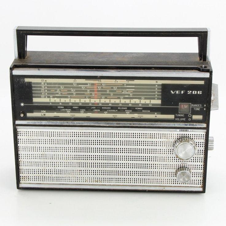 Přenosný radiopřijímač VEF 206
