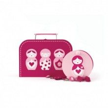 The gift case makes a wonderful gift for girls birthday parties or any occasions. The set with cute nesting dolls print comes in a pretty suitcase style with metal clip to lock everything inside and includes a wooden jewellery box and three packets of assorted hair accessories.  Also the suitcase features a convenient small handle so the case can easily be carried by your little one everywhere.  Size: 23cm W x 16.5cm H x 9.5cm D