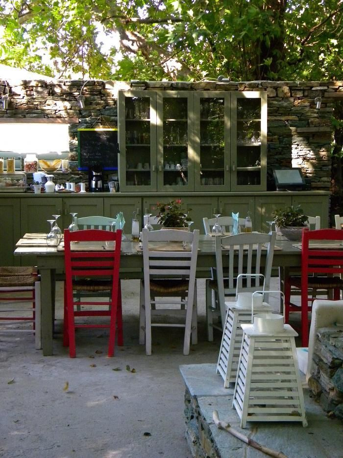 Outdoor-kitchen -Onar-Andros, Greece --> so great...without rain.
