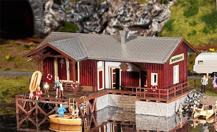 Faller 130510 - Rimessa per le barche a 35.52 EUR