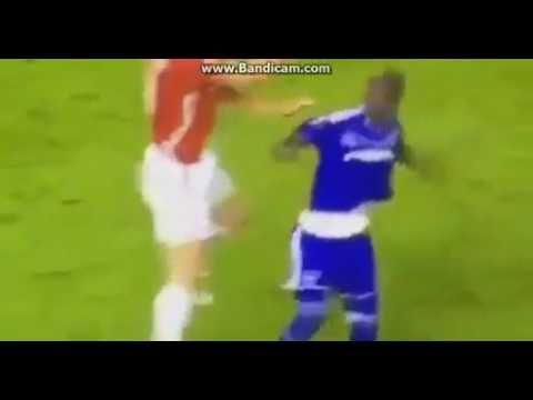 Zlatan Ibrahimovic HORRIBLE KNEE INJURY Manchester United vs Anderlecht ...