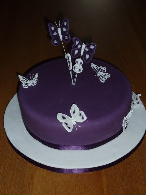 Top 25 ideas about 18th birthday cake designs on pinterest for 18th birthday cake decoration