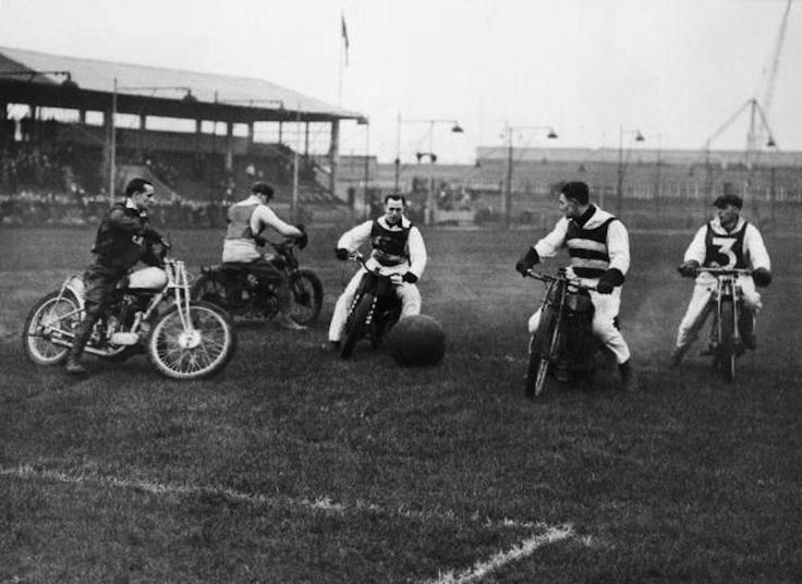 Football Match Between A Motorcycle Clubs And Hackney Wick Mc West Ham In London In 1937 (Photo by Keystone-France/Gamma-Keystone via Getty Images)