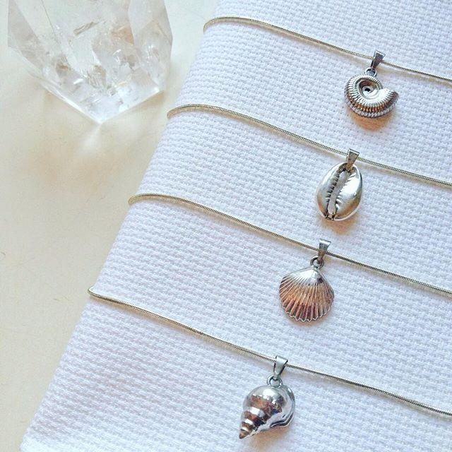 Acessorios para as sereias de plantão!😍😍😍 Coleção Fundo do Mar (Colar de concha, colar de sereia e sereismo)
