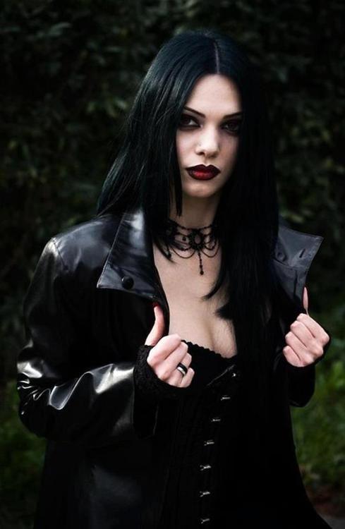 goth gothic fashion style black women lady girl women http://mistress.com