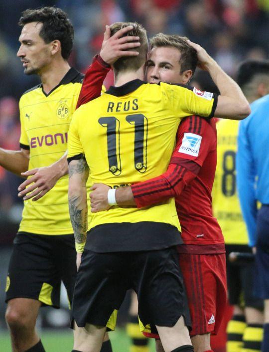 Jugador alemán Marcos Reus en el que su corazón puede más que todos los billetes del mundo. Actualmente jugador de Borussia Dormund.
