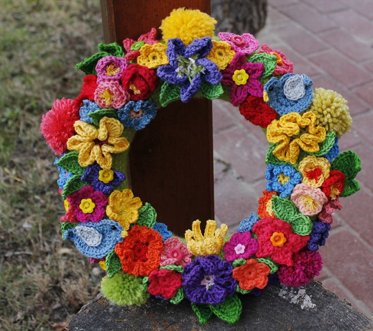 Spring crochet wreath
