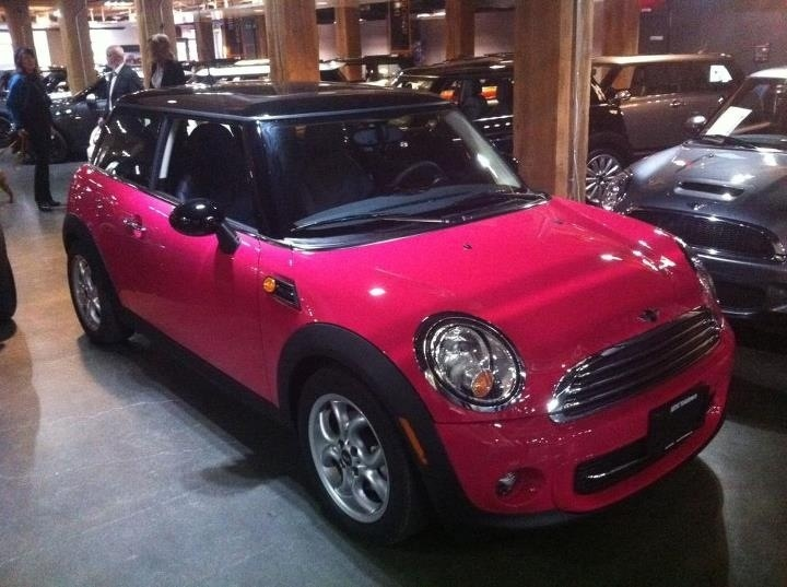 Pink car. Pink mini, yes please