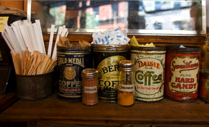 Coffee shop condiments: