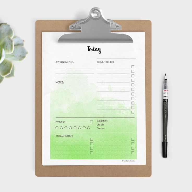 This free printable daily planner is so pretty and super useful! Print it on A4 or Letter size paper and keep handy on your desk. There is even a matching weekly planner too, with the same watercolour design. Click through to download the planner printables.
