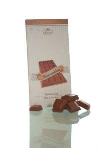 Suklaatilan perinteinen maitosuklaa on pehmeän täyteläistä. #frookynaherkku #kotimaisetherkut #suklaatila #suklaa