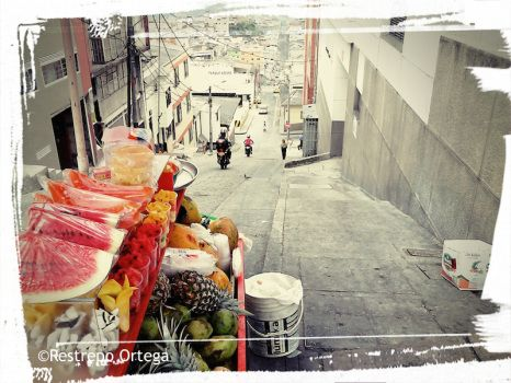 With so many #publicholidays like next week, it's easy to take the time to #explore #Colombia - why not take an Andean #roadtrip with me and my dad?  #travel #photography #street #food #fruit