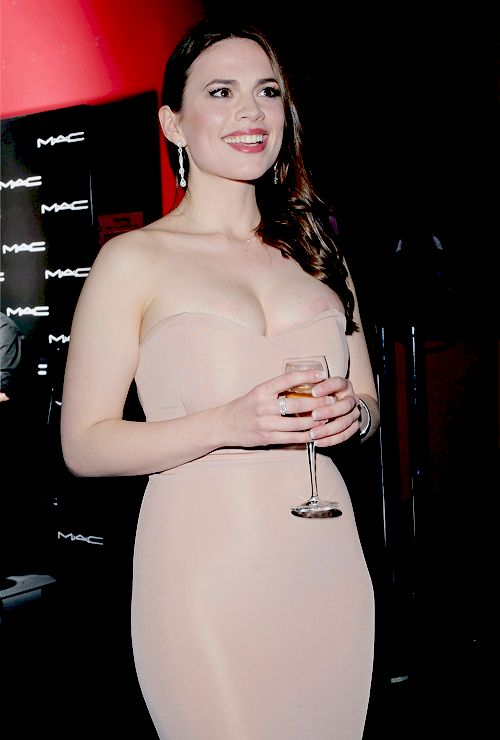 Elizabeth berkely dances nude