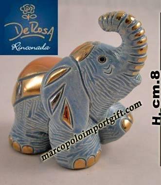 Le ceramiche De Rosa Rinconada, di altissima qualità, decorate in oro e platino, sono molto famose in America e in Nord Europa, vengono importate di recente in Italia. Ricercate dai collezionisti di tutto il mondo, sono ben assortite nel nostro negozio.. Hand- Crafted ceramics