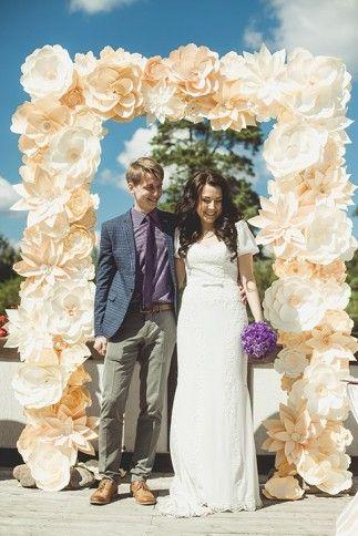 Выездная регистрация с аркой из бумажных цветов | Decorsando.ru Giant paper flowers wedding arch