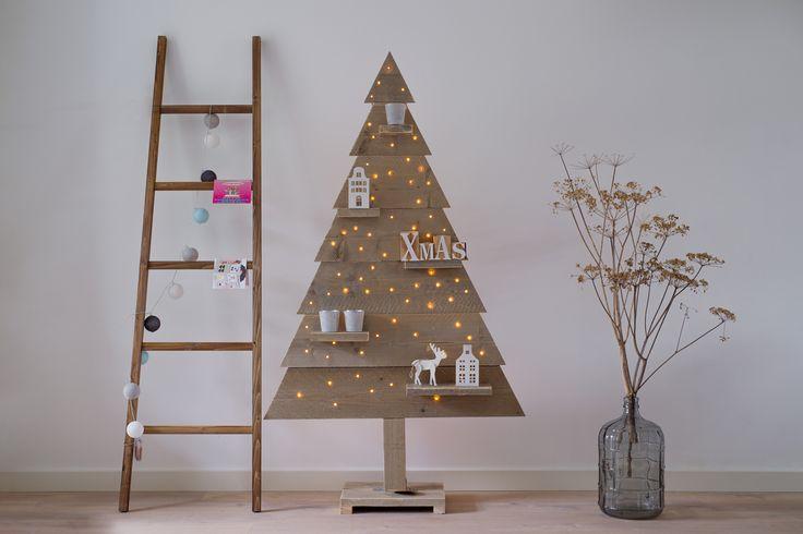 1000 idee n over houten kerstbomen op pinterest rustieke kerstversiering doe het zelf - Een houten boom maken ...