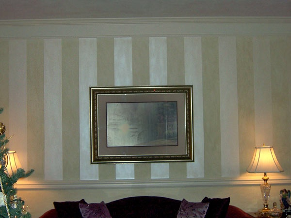 Striping Is A Victorian Method Of Paint Or Decorating. It Became A  Classically Elegant Way Of Decorating Walls. With Bright And Contrasting  Colors.