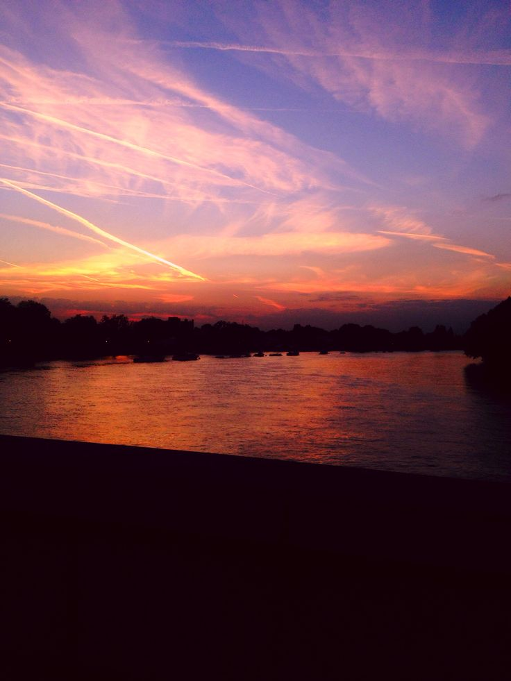 My walk over putney bridge nothing more pure. Adore the fact I get to see this after a long hard days work xxxxxx