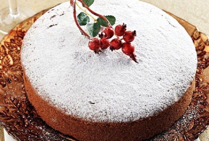 """Μια συνταγή για μια πανεύκολη Βασιλόπιτα για αρχάριους. Ένα """"κέικ"""" με γιαούρτι για να κρατήσει την υγρή γεύση της για αρκετές ημέρες. Πολύ απλή συνταγή για μια πολύ νόστιμη βασιλόπιτα. Διπλασιάστε τη δόση για μεγαλύτερο ταψί και … Καλή Χρονιά !!! Υλικά συνταγής 1/2 κιλό αλεύρι που φουσκώνει μόνο του 1 κ.γ. κοφτό μπέικιν πάουντερ …"""