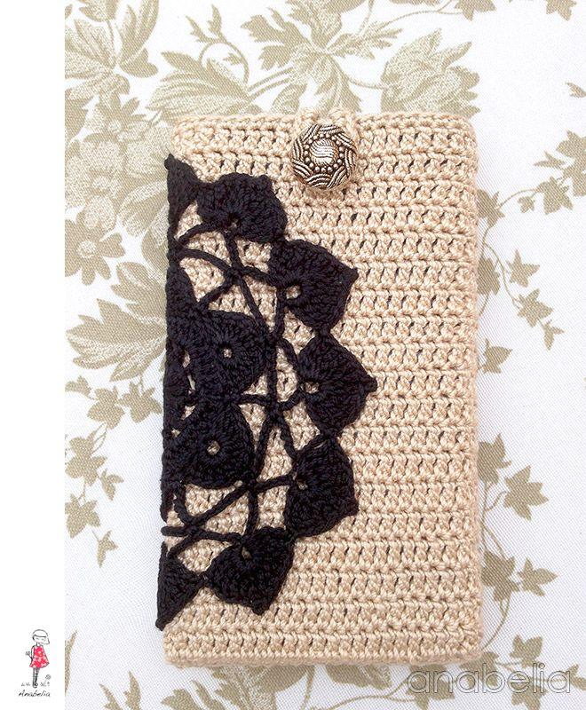 Black beige crochet smart phone cover by Anabelia