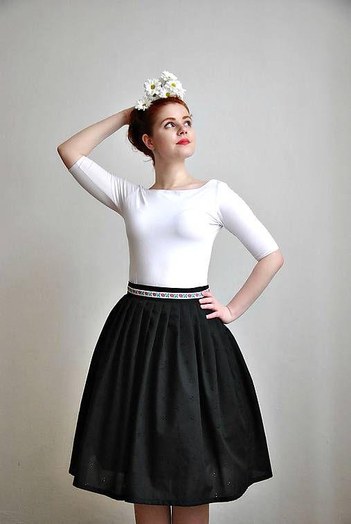 REPARADA / Černá madeirová sukně s vyšívanou stuhou