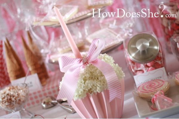 1st birthday- Thinking a cupcake theme, how cute is the Flower cupcake centerpiece?