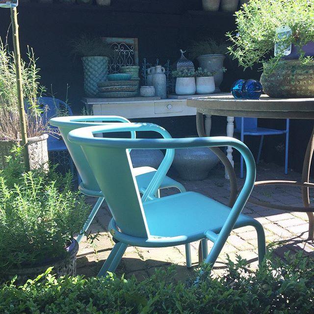 Ohh genieten met dit heerlijke weer! We hebben een nieuwe collectie aan Adico tuinmeubilair in onze woonwinkel en prachtige tuin. Vanavond zijn wij tot 21:00 uur geopend. ☀️ #adico #tuinmeubilair #viacannellacuijk #viacannella #shoppen #relaxen #tuin #woonwinkel #kookwinkel #interieur #styling #garden