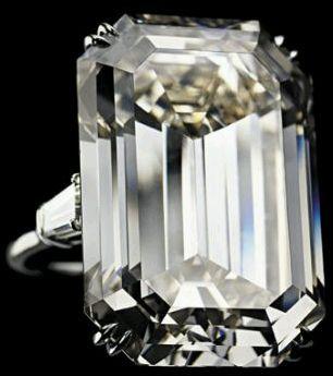 Anillo de Compromiso de Jacqueline Kennedy   Diamante de 71.73-carats.-