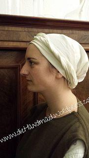 Kopftuch, 13./14. Jhd, weißes Leinen, handgenäht   head cloth, 13th/14th century, white linen Tags: Mittelalter, Gewandung, Living History Reenactment, Kopfbedeckung, Headwear, History