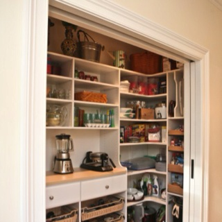 I wasn't able to incorporate this fantastic pantry into my new kitchen, but I'm working on putting it somewhere else. I love this. Everything is layed out right in front of you. No deep closet where you're trying to find stuff. Great design.