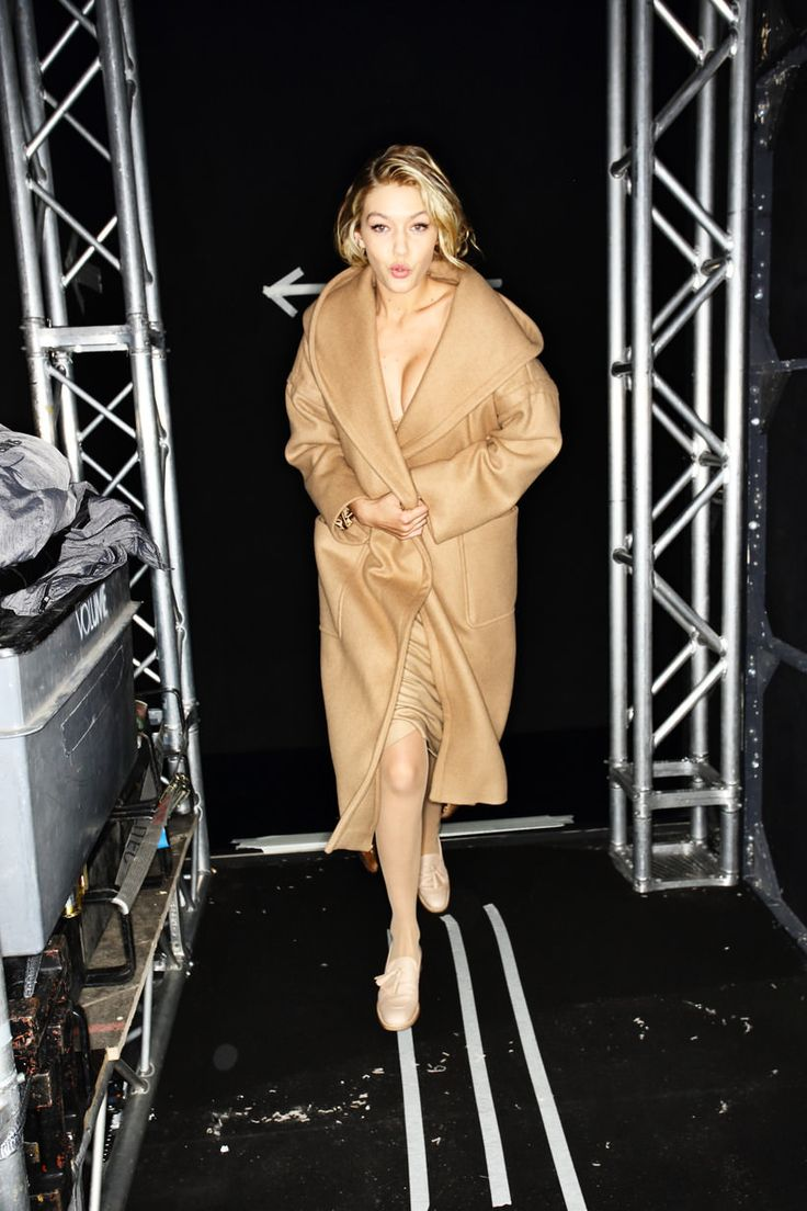 Hayden christensen medium wavy casual hairstyle thehairstyler com - Gigi Hadid On Max Mara Marilyn Monroe Inspiration Collection