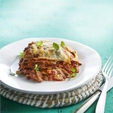 Week 39, 19-25 september: lasagne al forno. Supermachtig, maar echt heel lekker: deze lasagne from scratch met rundergehakt en worstvlees, wortel, bleekselderij en ui, bechamelsaus en mozzarella. Een recept voor in het weekend, want het kost wel aardig wat tijd.  Bonus: mijn weerzin tegen het gebruik van worstvlees is door dit recept weggenomen.