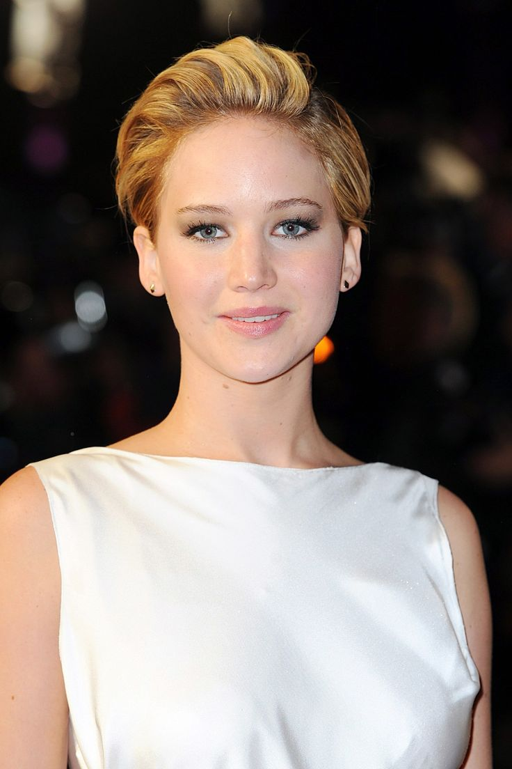 Jennifer Lawrence pixie crop want this for my Christmas party