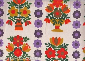 Cute flowers on this 1970s fabric