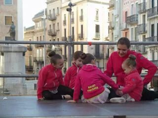 Ballet Figueres en la Rambla de Figueres