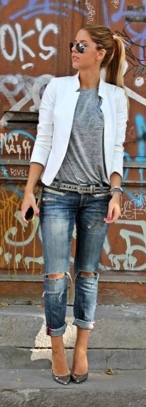 cool Cute Outfit, love jeans and T-shirt not the blazer www.eloecom.com.br encontre l...