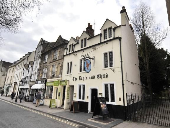 Famous authors C.S. Lewis and J.R.R. Tolkien used to drink in this Oxford pub, so settle in for a pint and relive Lord of the Rings, or simply indulge in the real ales and hearty food.