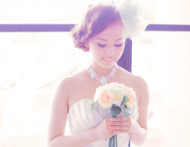[フリー画像素材] 人物, 女性, アジア女性, 結婚式, ウエディングドレス, 人と花, モデル:0072 ID:201310081700