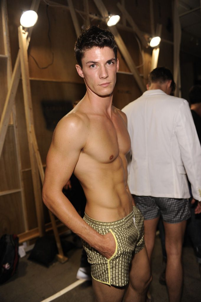 Skiny Nude Model Man