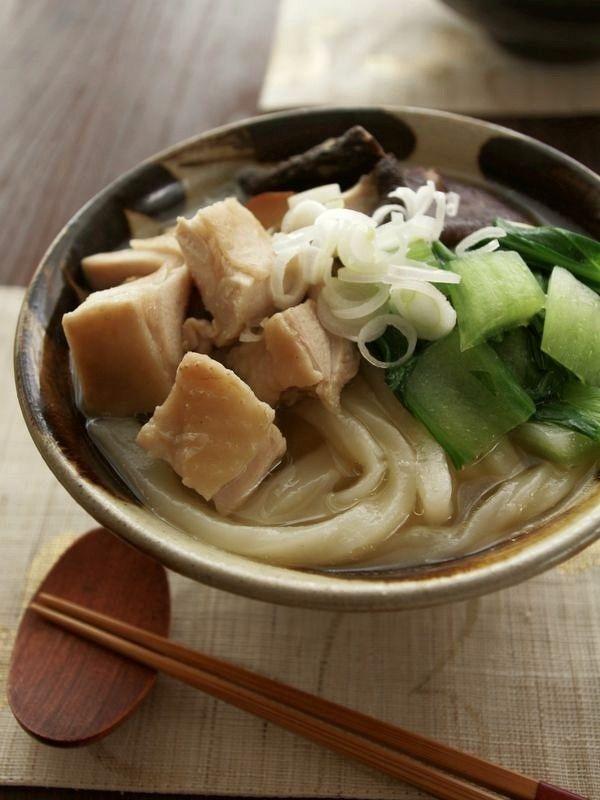 冷凍さぬきうどんで♪鶏としょうがの中華煮込みうどん by ヤミー ...
