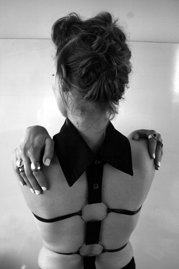 Jane Sutherland - Metal / Leather collar